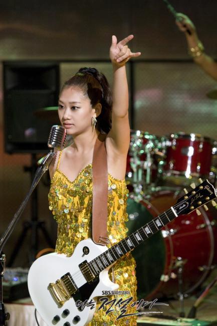 한때 화려한 꿈을 꾸었던 마돈나들!  컴백 마돈나 밴드!