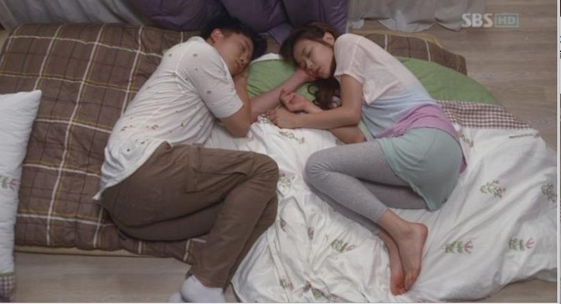 SBS 드라마스페셜 [보스를 지켜라] '지성, 최강희의 달달한 러브포즈 10종세트' 썸네일 이미지